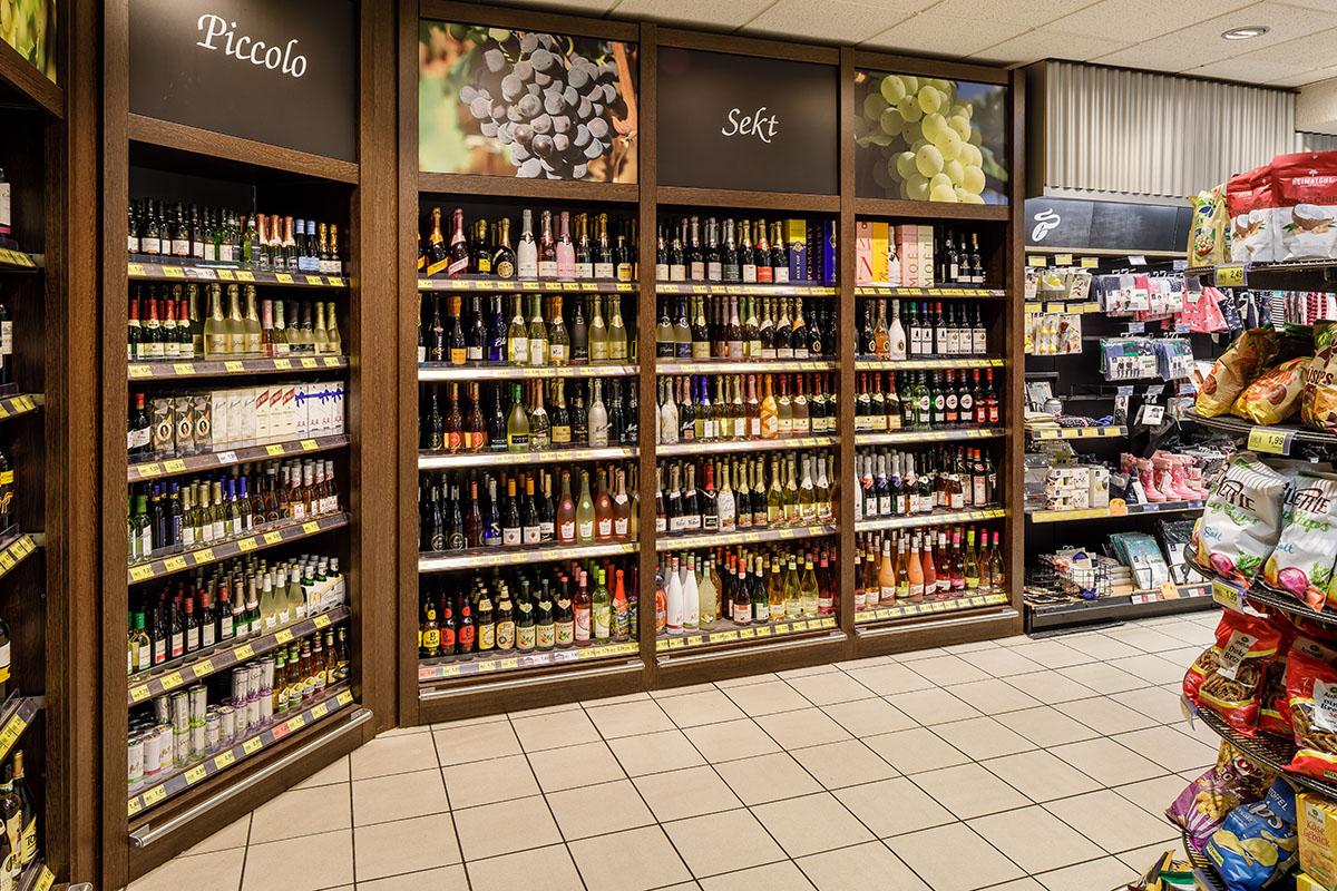Aachener Straße – Weinabteilung